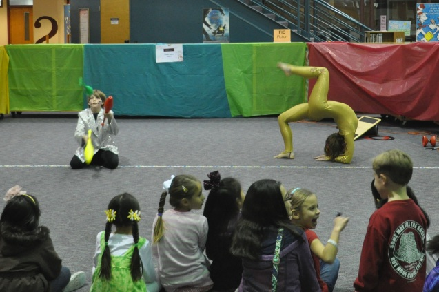 Anika and I had fun with the kids at Daffron Elementary. Anika is so good! She can do anything -- silks, contortion, trampoline, hula hoops!