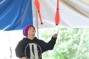 Kameron Badgers juggling at Circus Smirkus 2016